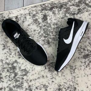 NIB Nike Downshifter 7 Wide women's running shoes